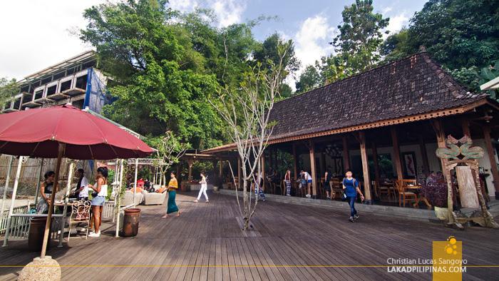 Stupa Restaurant Borobudur