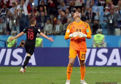 """? Argentijn Caballero begaat onvergeeflijke flater: """"Het amateurisme is om van uit je vel te springen"""" & """"Messi klopt erop in de kleedkamer"""""""