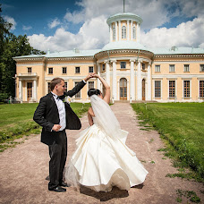 Wedding photographer Maksim Kolomychenko (maxcol). Photo of 24.08.2013