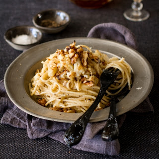 Spaghetti With Roasted Cauliflower, Blue Cheese And Walnuts