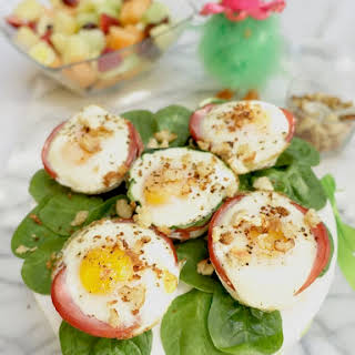 Baked Eggs Benedict Muffin Cups.