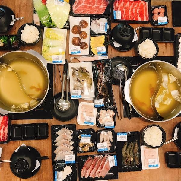 日鮮市集|台南超市火鍋|超市火鍋現正夯|其他火鍋店吃不到的食材|晚上八點半後 用餐65折優惠!