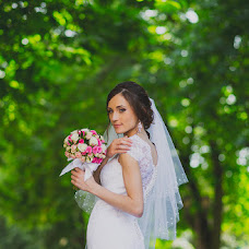 Wedding photographer Oleg Podyuk (DAVISDM). Photo of 19.06.2014