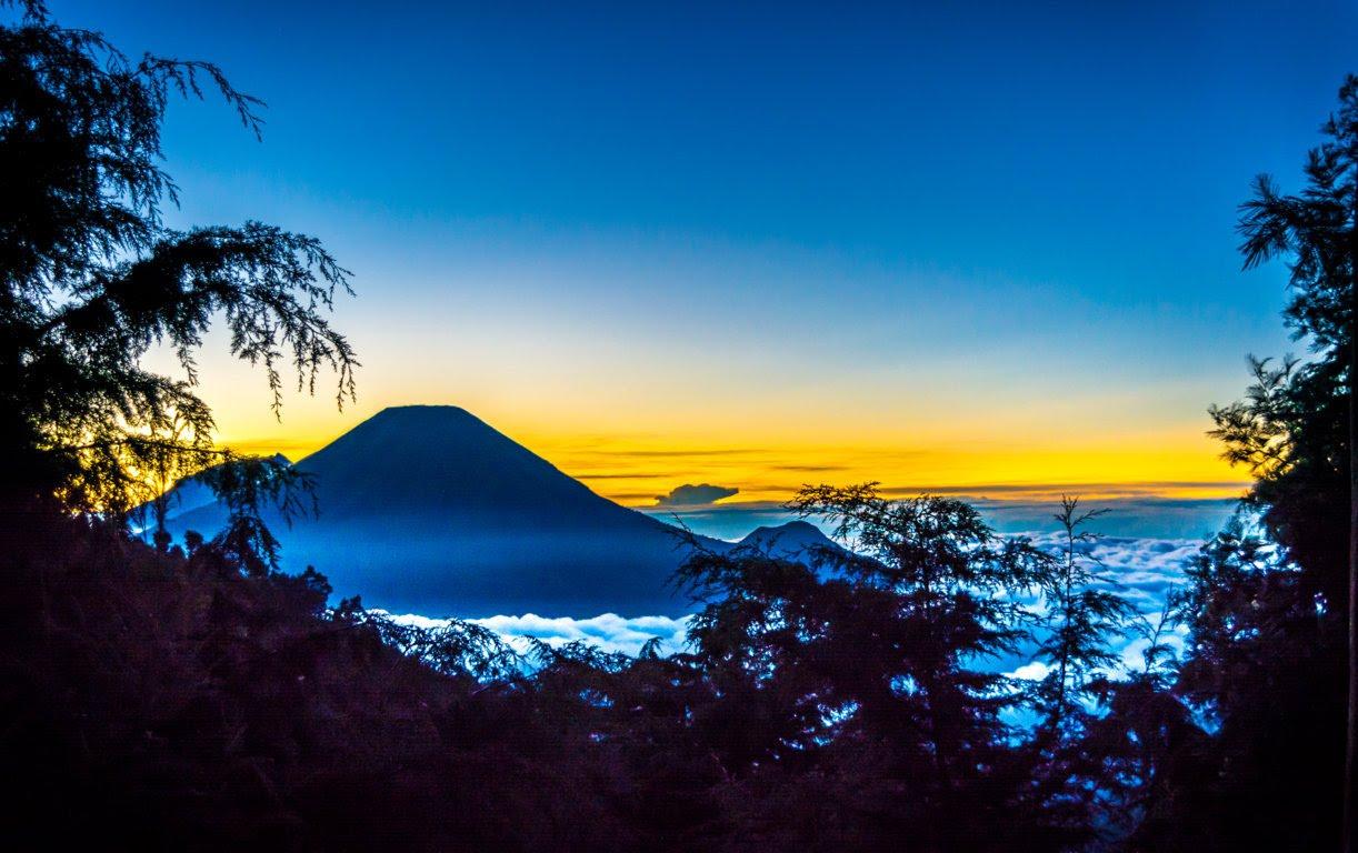 Pemandangan dari POS 3 Cacingan, Gunung Prau
