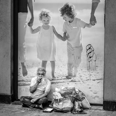 Il vecchio e i bambini ... di FRANCESCOSCIUMBATA