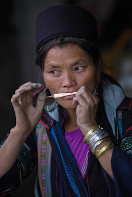 Suonatrice vietnamita di SALVATORE PETRENGA