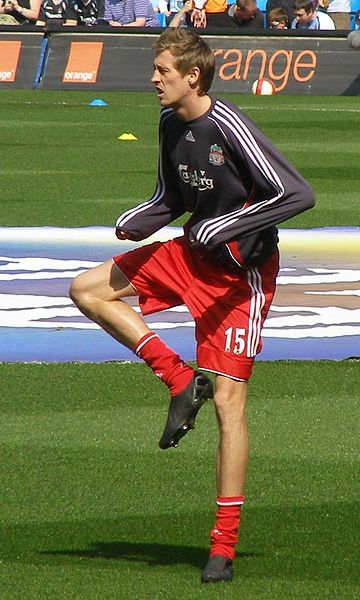 Tall soccer player - Peter Crouch