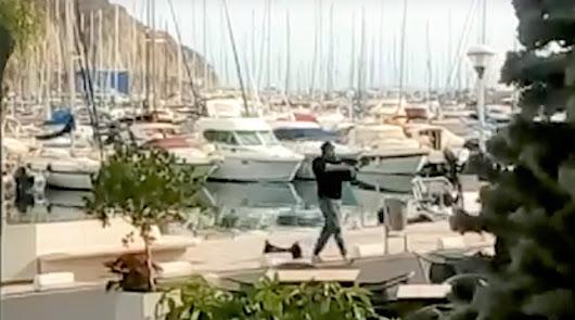 No, no ha habido un tiroteo en el Puerto Deportivo de Aguadulce: es un rodaje