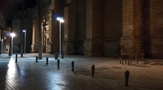 La Catedral, a oscuras.