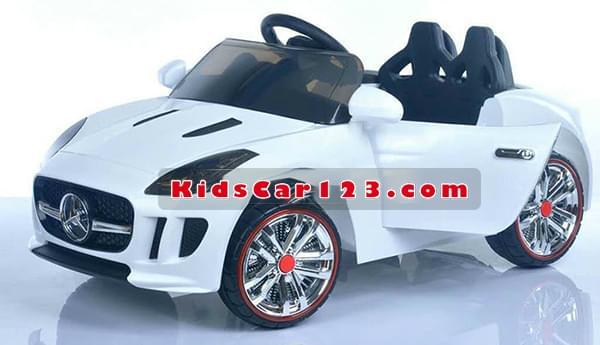 Xe Jaguar 966 màu trắng phong cách