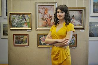 """Photo: Виолетта Чуйко на открытии персональной выставки вышивки """"Вдохновение"""""""
