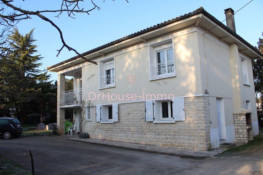 Vente maison 6 pièces 140 m² à La Couronne (16400), 215 000 €