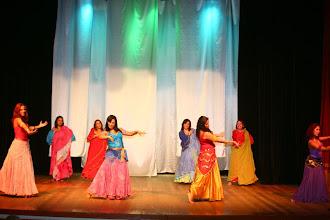 Photo: Professora Mhelani de Dança Cigana e sua Turma