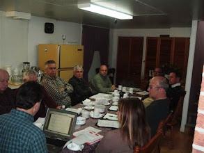 Photo: Vos responsables de région travaillant sur le nouveau calendrier d'activités 2008
