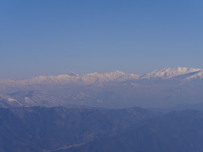 右から薬師岳・立山連峰・別山・剱岳・大日岳・猫又山など