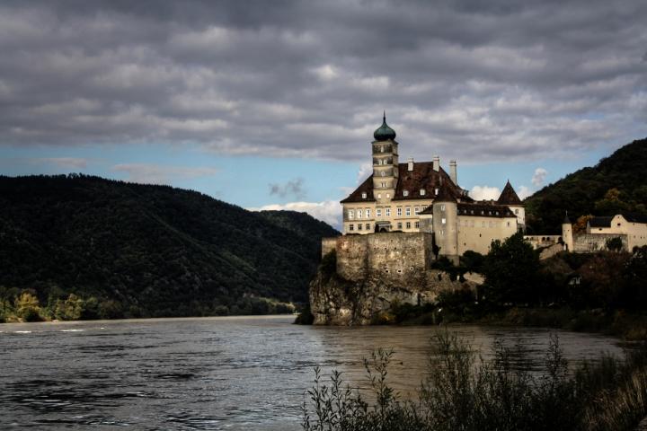Il castello sul Danubio di gian04