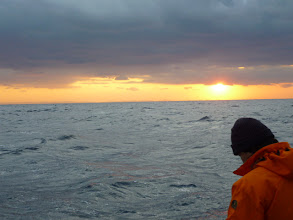 "Photo: 今日は、""タイラバ釣行""です! えさ釣りで好調なアジソネで・・・ファイト!"