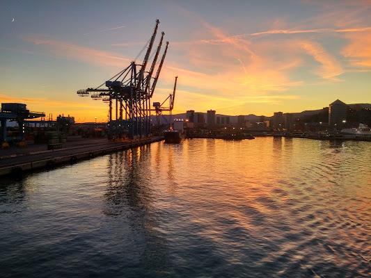 Tramonto al porto di Genova di Lela69