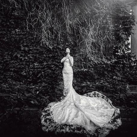 Wedding photographer Vitaliy Kryukov (krjukovit). Photo of 19.12.2012