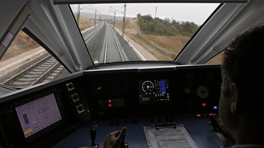 El AVE significaría para Almería dar el salto al nuevo futuro