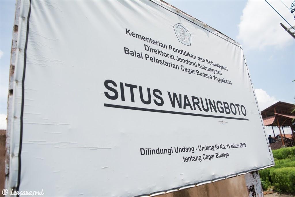 Papan nama situs warungboto