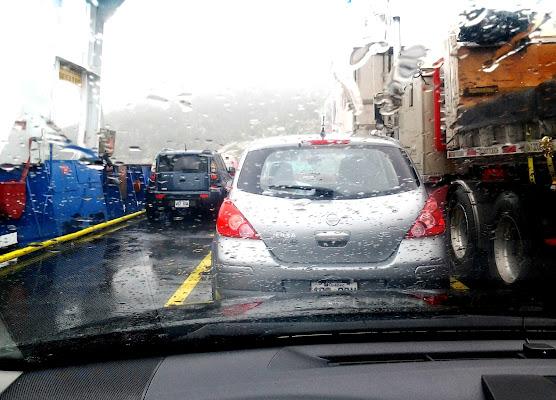 pioggia sul traghetto.. di towerofbear