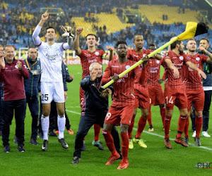 """Spelers Essevee genoten mee van intense sfeer: """"Kippenvel"""" en """"Leuk om fans iets te kunnen teruggeven voor afstand die ze aflegden"""""""