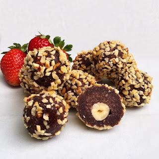 5 Ingredient Healthy Ferrero Rocher Truffles.