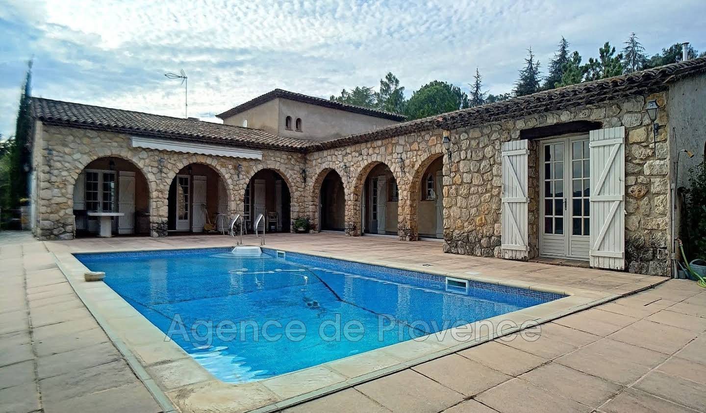 Villa avec piscine et terrasse Peymeinade