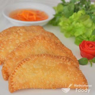Vietnamese Crispy Dumplings (Banh Goi)
