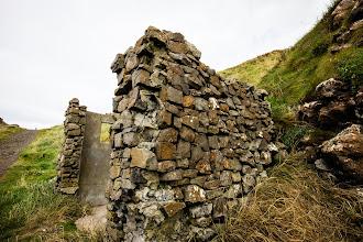 Photo: Ruined shack  Giant's Causeway