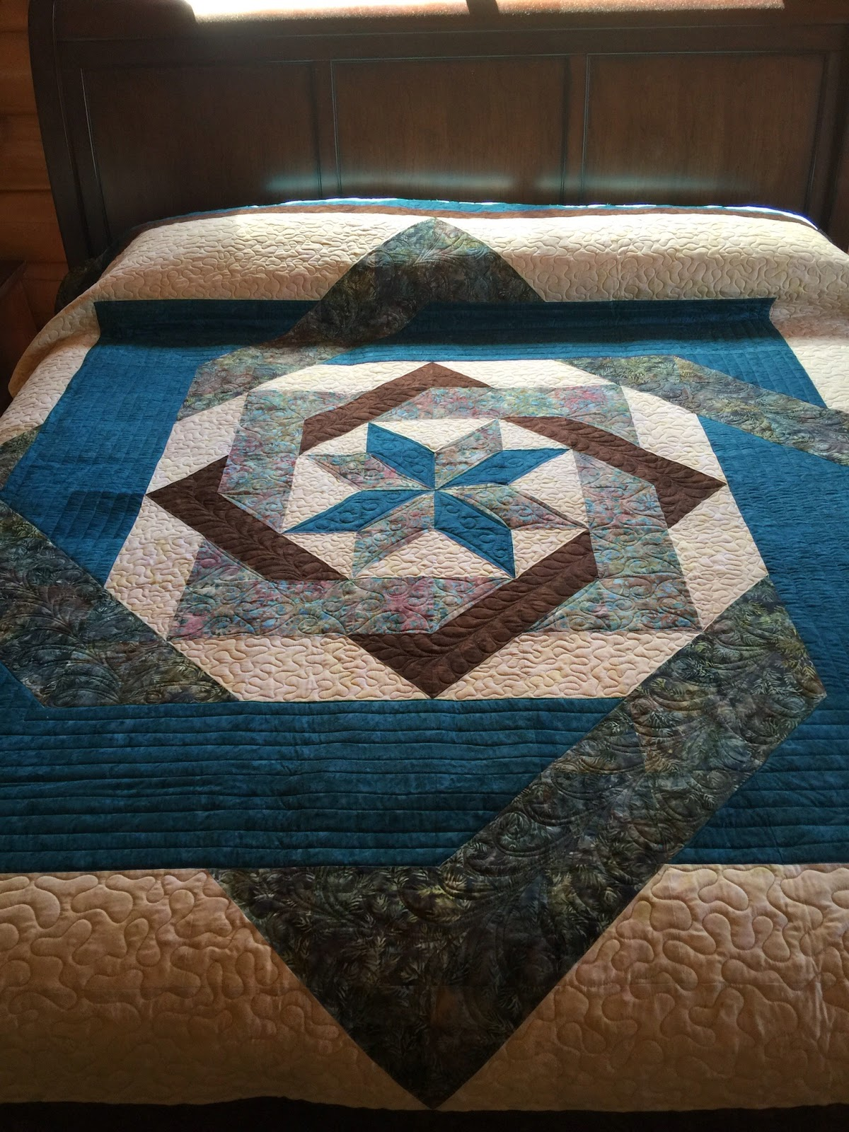 blue and brown star labyrinth pattern