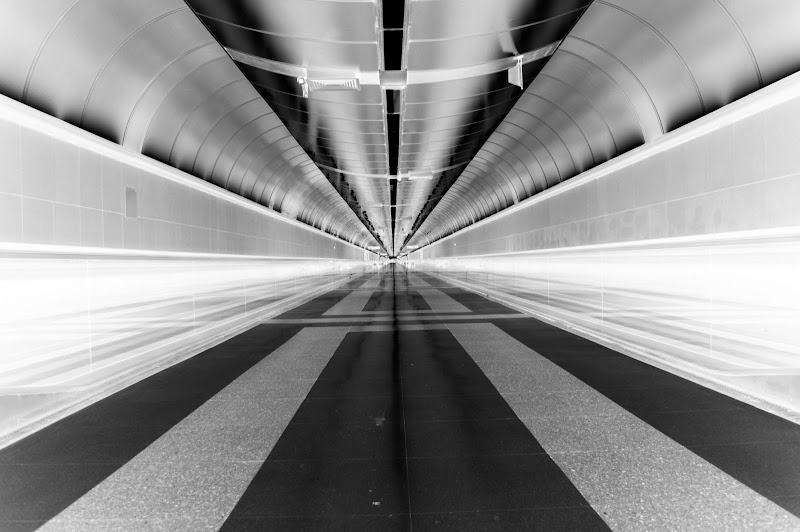 Tunnel di Denis Antoniali