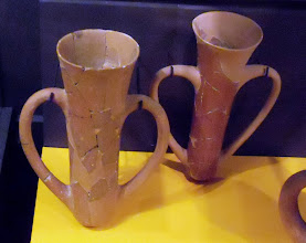 Photo: Troy - Earthen drinking beakers 2550-2250 BC........... Aarden drinkbekers 2550-2250 v.C.