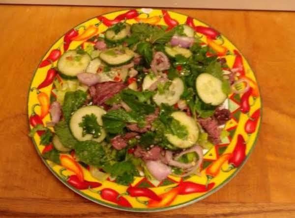 Yum Neau Nam Tok    (grilled Beef Salad)