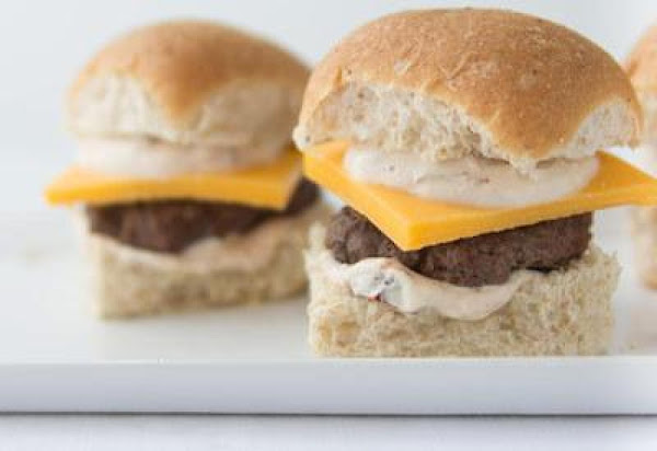 Beef Sliders With Chipotle Yogurt Sauce & Cheddar Recipe
