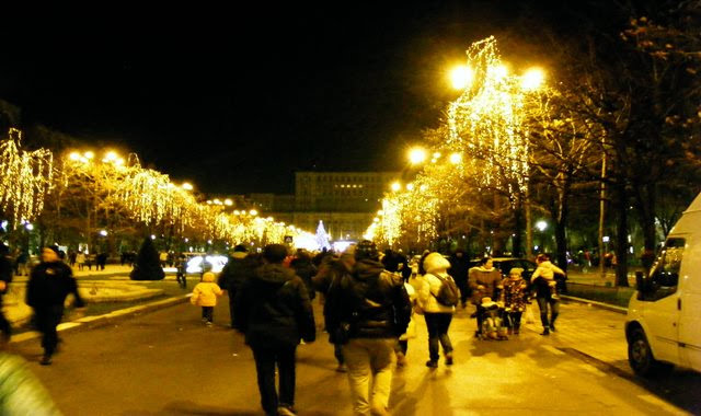 WEAR WARM CLOTHES IN DECEMBER IN BUCHAREST