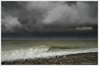 Photo: De Kust. Dreigende wolken. Foto: Paul Wendels