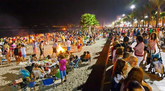 Imagen de archivo de la Noche de San Juan en Almería.