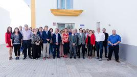 Diputados, alcaldes y concejales, en la inauguración de la nueva Unidad de Asistencia a Municipios de la Diputación.