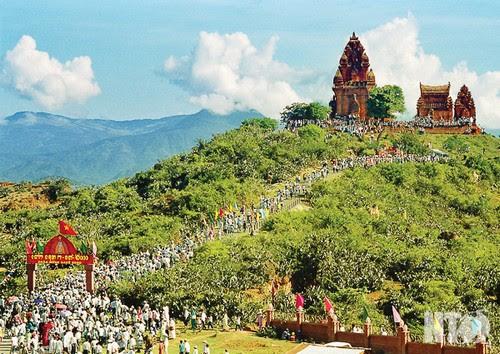 Tháp Pôklông Garai phát huy giá trị di sản