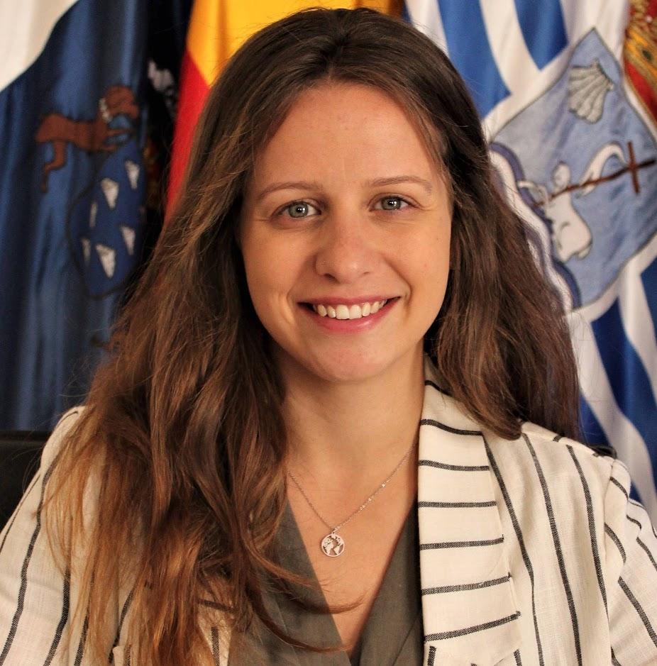 Dña. Claudia María Padilla Hernández