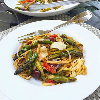 What's for Dinner? Seared Asparagus w/ Noodles & Balsamic Reduction