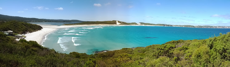 Photo: Some more amazing scenery near Margaret River.  There' must be thousands of km of beaches that look similar to this.