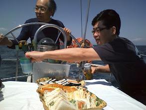 Photo: 観音沖で船上ランチ