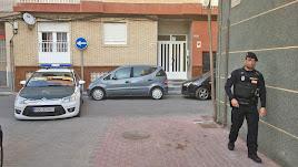 La zona del suceso está acordonada por la Guardia Civil y la Policía Local.