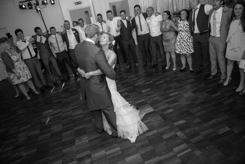 wedding-photography-firs-dance
