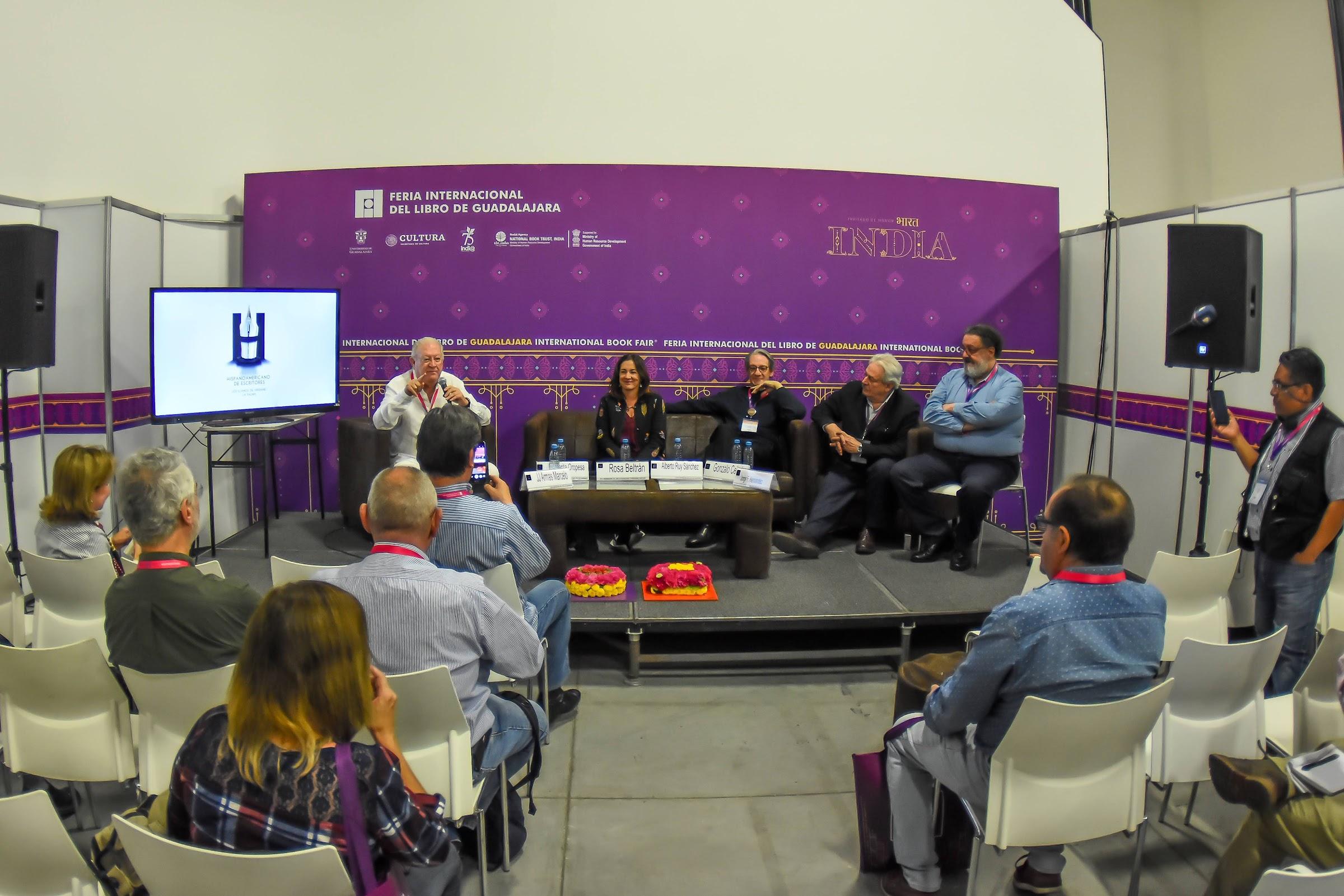 La Cátedra Vargas Llosa presenta el Festival Hispanoamericano de Escritores de Los Llanos de Aridane en la FIL de Guadalajara, México