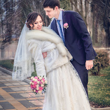 Wedding photographer Arina Elizarova (Linusik). Photo of 16.04.2015