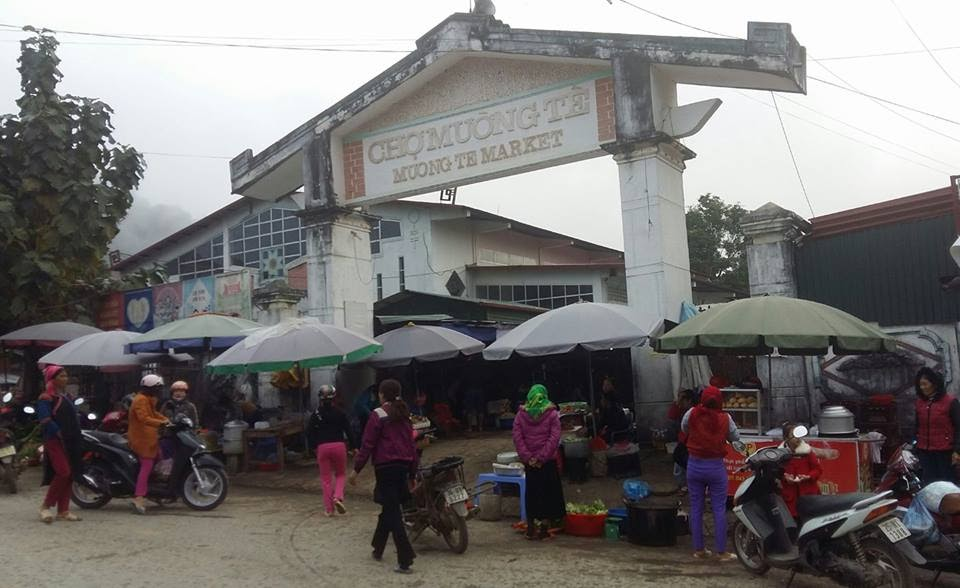Chợ Mường Tè .